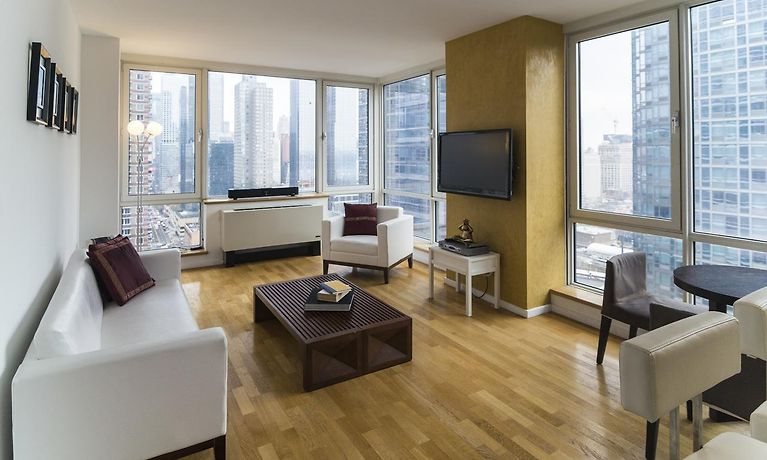 Times Square Apartment New York